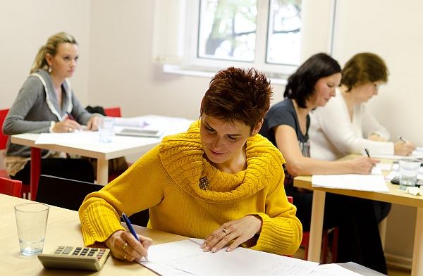 Studenti při výuce